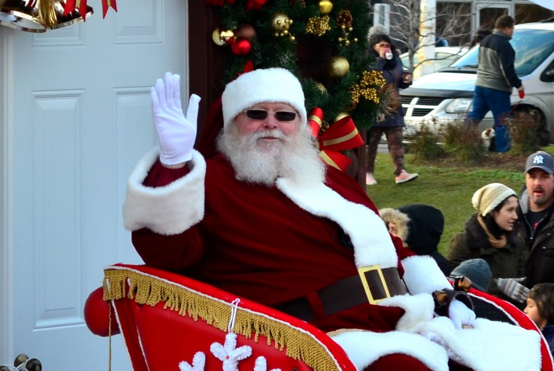 CANADA'S PREMIER OUTLET JOINS SANTAFEST PARADE